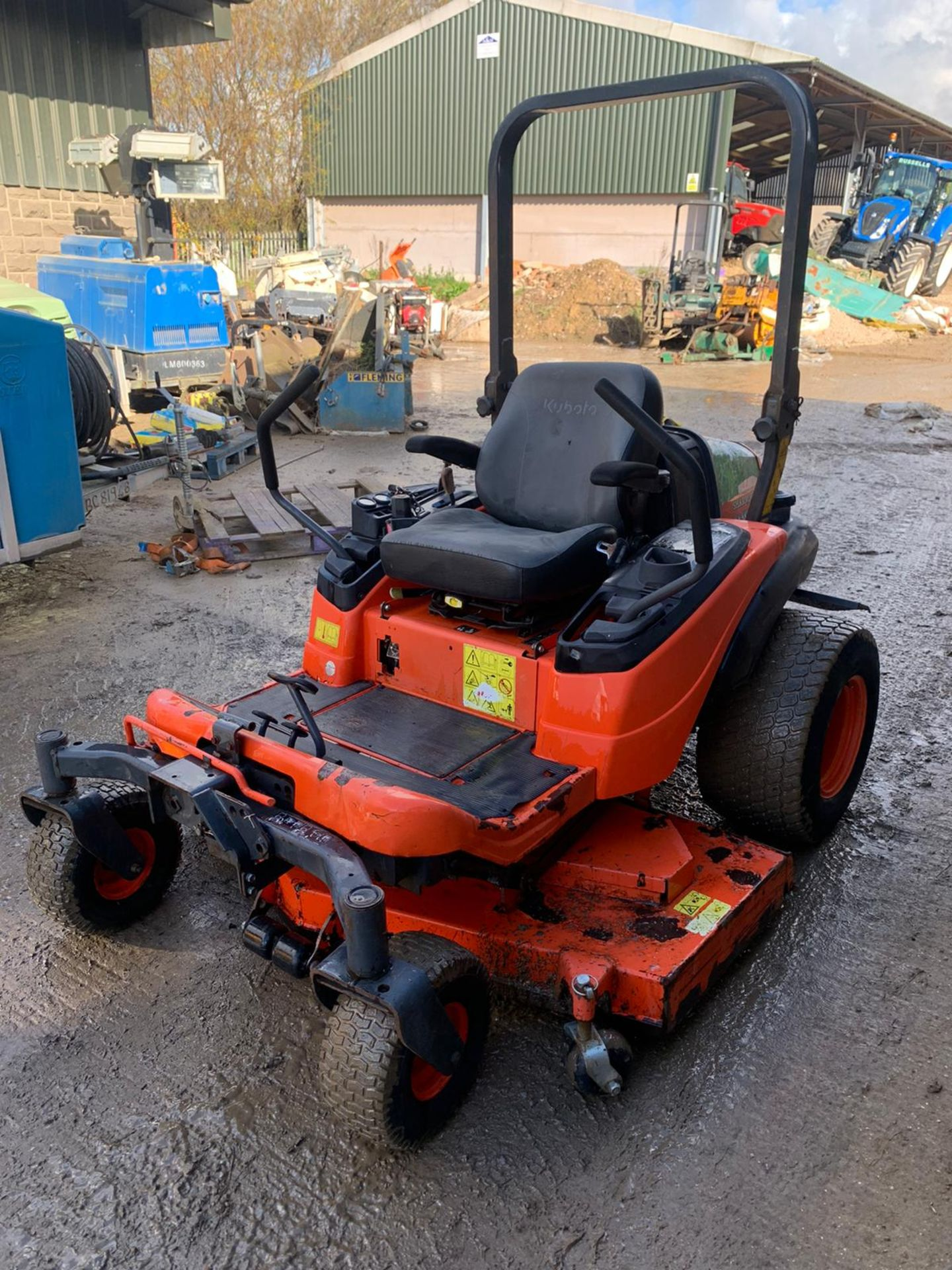 Lot 24 - KUBOTA ZD326S ZERO TURN MOWER, RUNS, DRIVES AND CUTS, CLEAN MACHINE *PLUS VAT*