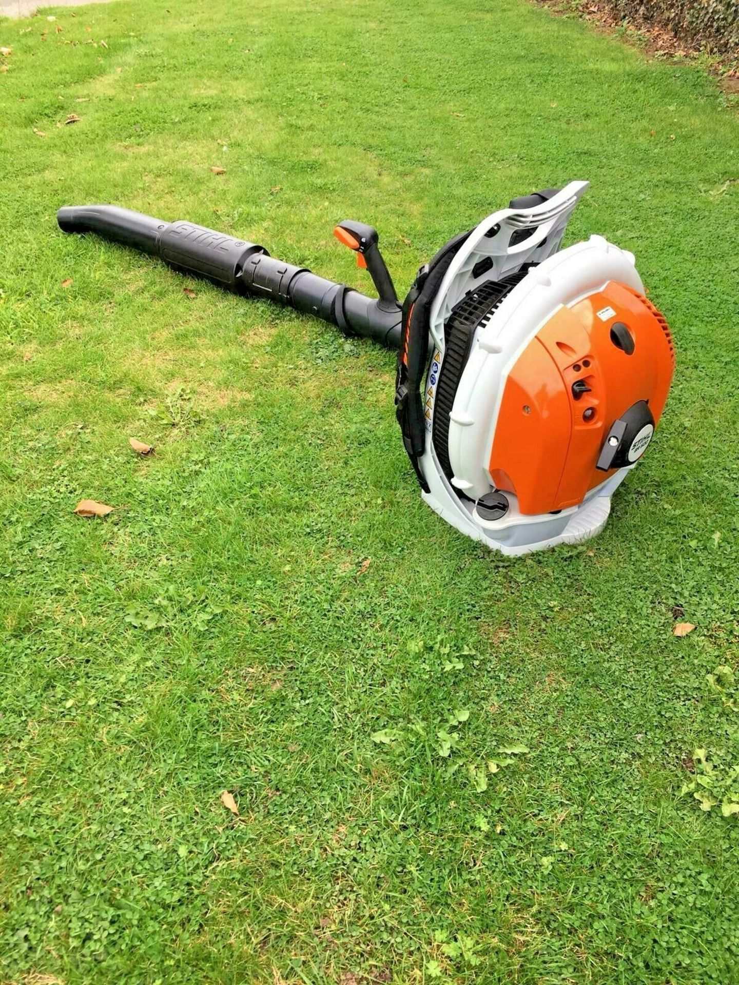 STIHL BACK PACK LEAF BLOWER, MODEL: BR500, MANUFACTURED 07/2017, NEVER USED, CHOICE OF 2 *PLUS VAT* - Image 6 of 7