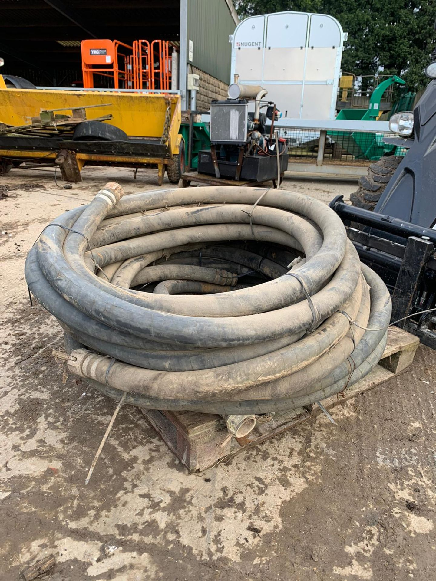 Lot 14 - CONCRETE PUMP PIPES, YOU ARE BIDDING FOR ALL 4 PIPES ON THE PALLET *PLUS VAT*