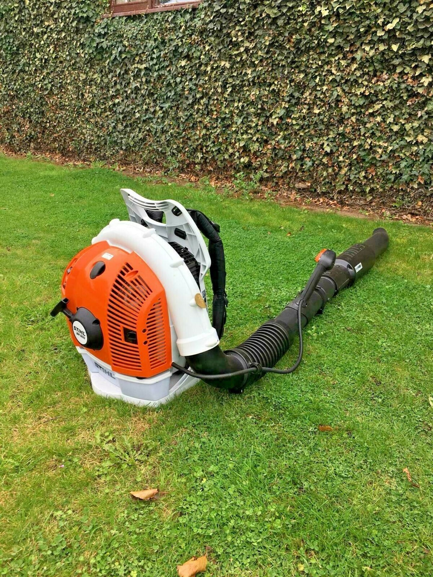 STIHL BACK PACK LEAF BLOWER, MODEL: BR500, MANUFACTURED 07/2017, NEVER USED, CHOICE OF 2 *PLUS VAT* - Image 4 of 7