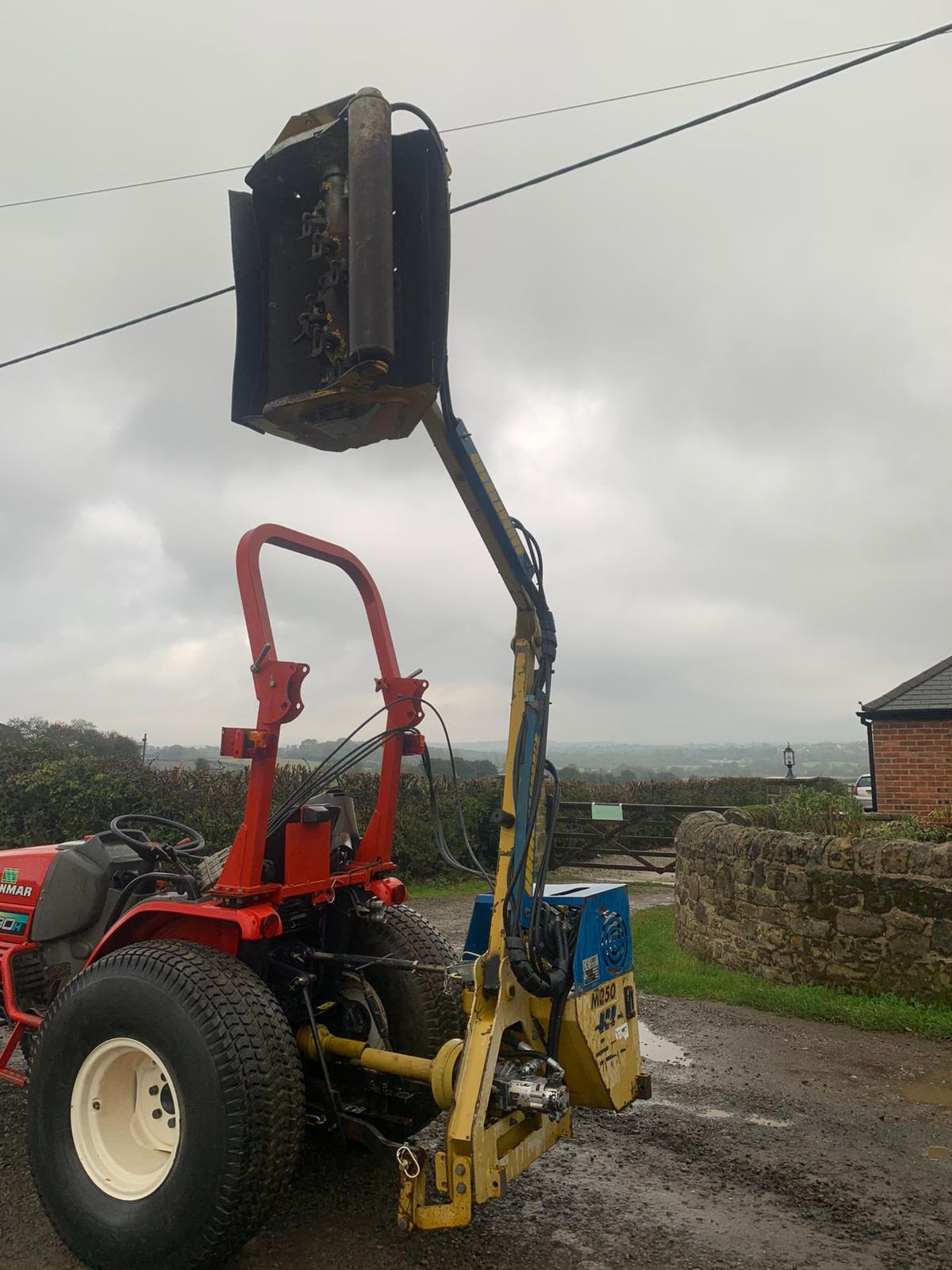Lot 30 - 2007 PORT AGRI M250 HEDGE CUTTER, RUNS AND WORKS, SUITABLE FOR COMPACT TRACTOR *PLUS VAT*