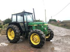 JOHN DEERE 2140 GREEN / YELLOW TRACTOR, 4 WHEEL DRIVE, RUNS, WORKS AND DRIVES *PLUS VAT*