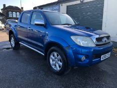 2009/09 REG TOYOTA HILUX INVINCIBLE D-4D 4X4 DCBA 3.0 DIESEL AUTOMATIC BLUE no vat (only on BP)
