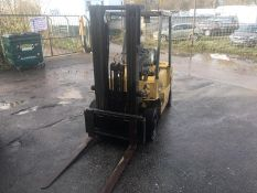 MITSUBISHI FD25 FORKLIFT, STARTS, LIFTS BUT NO DRIVE, SIDE SHIFT, LOW MAST, DIESEL, GOOD BRAKES