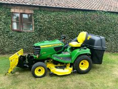 JOHN DEERE X758 ONLY 423 HOURS, EXCELLENT CONDITION, 4WD, C/W COLLECTOR & HYDRAULIC SNOW PLOUGH