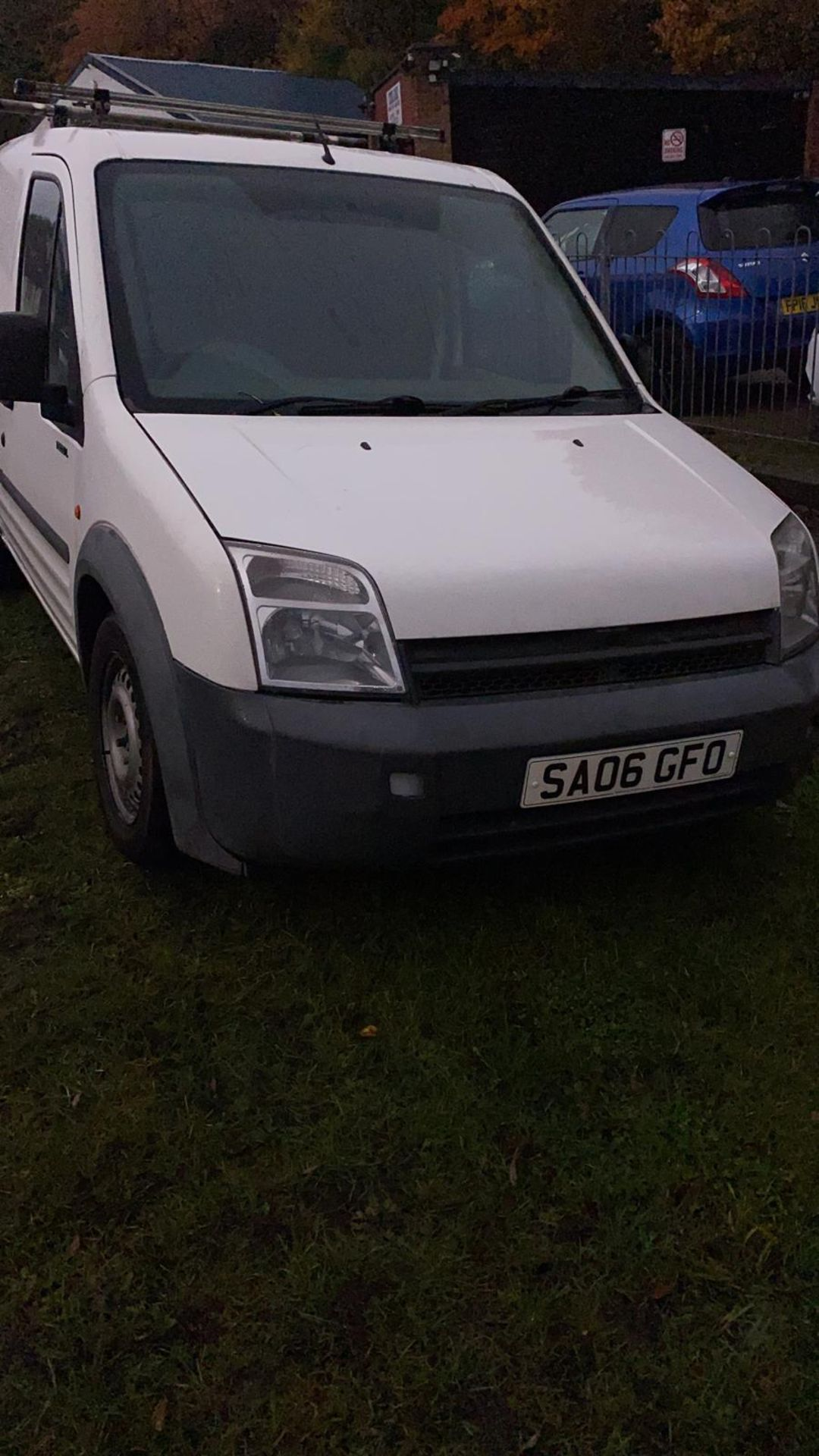 2006/06 REG FORD TRANSIT CONNECT L200 TD SWB 1.8 DIESEL WHITE PANEL VAN, SHOWING 4 FORMER KEEPERS - Image 6 of 9