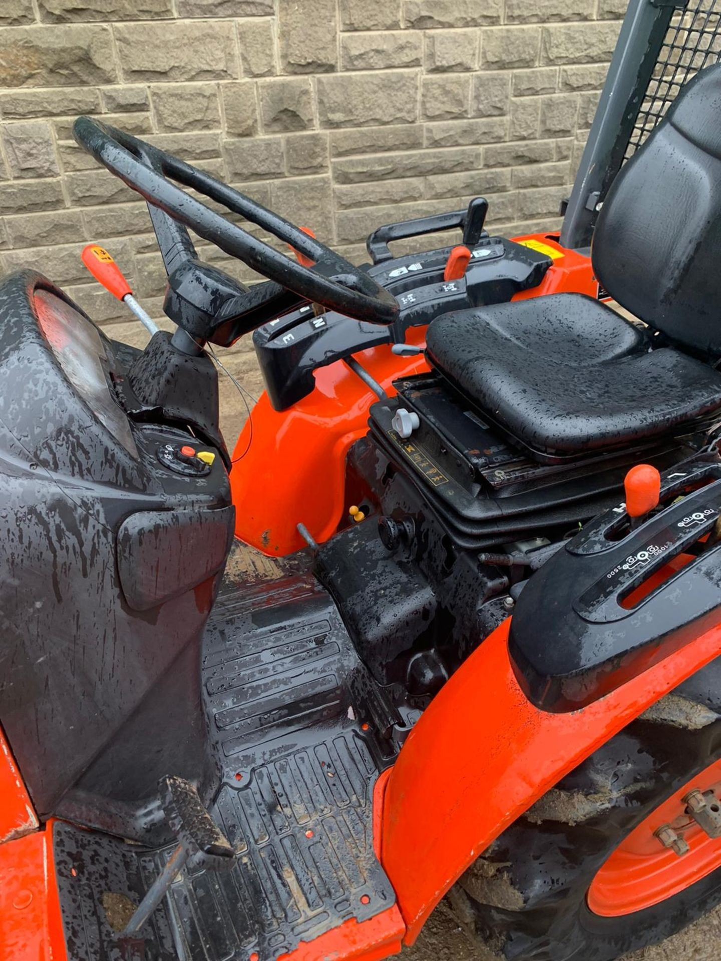 KUBOTA B1820 COMPACT TRACTOR, RUNS, DRIVES AND WORKS, CLEAN MACHINE *PLUS VAT* - Image 5 of 6