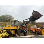 VOLVO L70C LOADING SHOVEL, RUNS AND LIFTS, BUT NO DASH LIGHTS SO FORWARD & REVERSE DONT WORK
