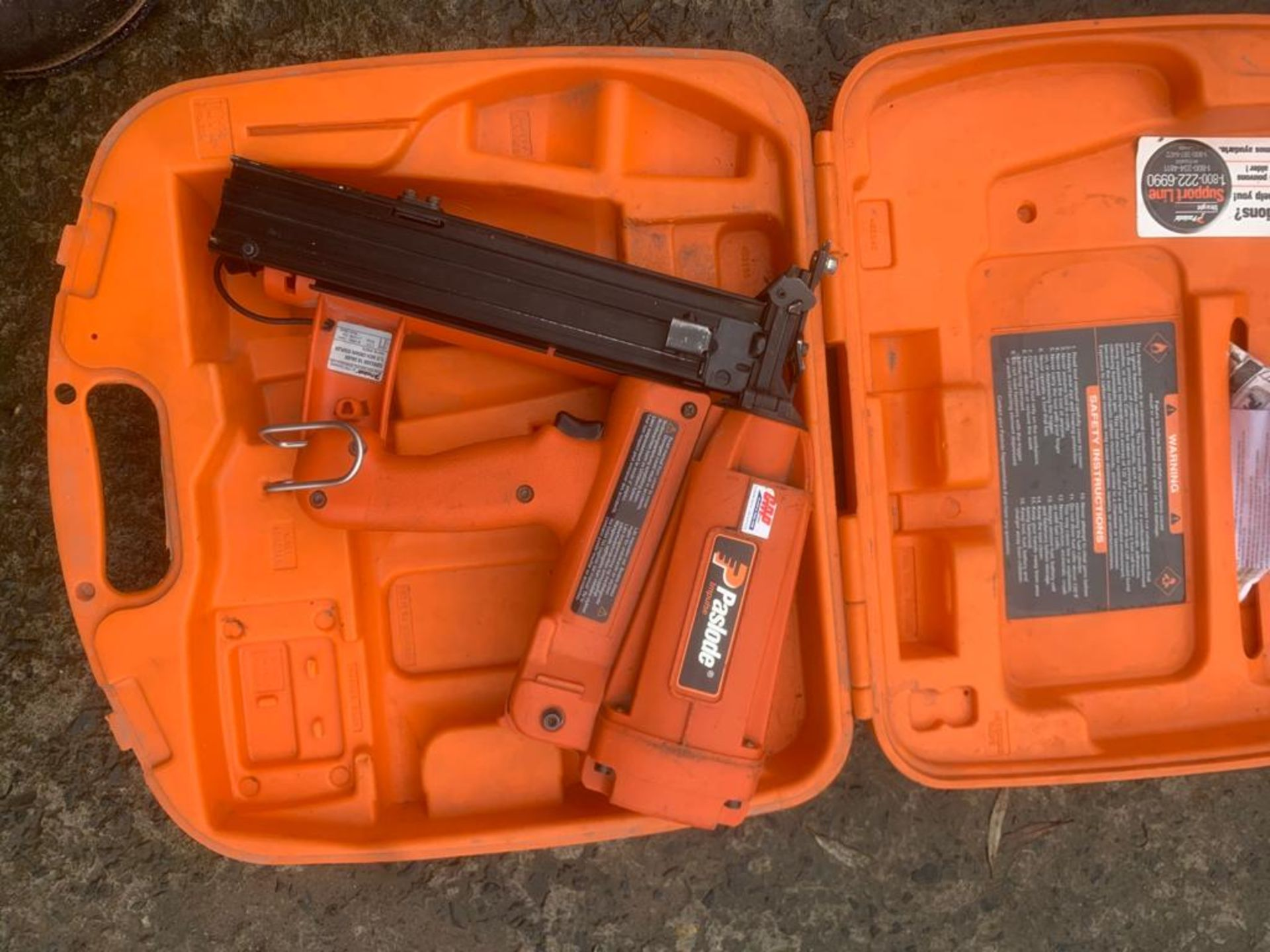 PASLODE FINISHING NAIL GUN UNTESTED, UK NATIONWIDE DELIVERY £10 *PLUS VAT* - Image 2 of 2