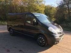 2010/10 REG VAUXHALL VIVARO SPORTIVE CDTI SWB 2.0 DIESEL BLACK PANEL VAN, SHOWING 0 FORMER KEEPERS
