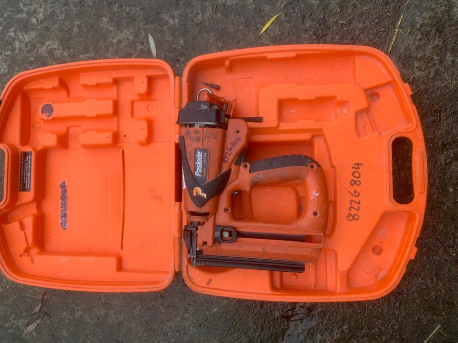 PASLODE IM65F16 SECOND FIX NAIL GUN UNTESTED, UK NATIONWIDE DELIVERY £10 *PLUS VAT* - Image 2 of 2