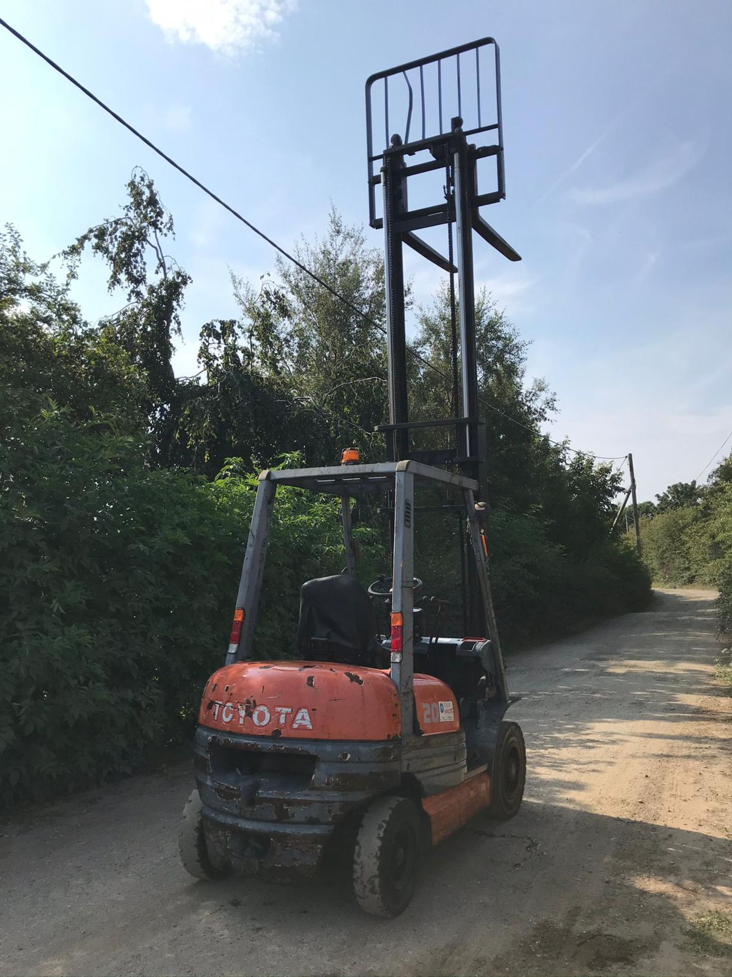 TOYOTA 20 FORKLIFT, RUNS, DRIVES AND LIFTS, CLEAN MACHINE *PLUS VAT* - Image 3 of 5