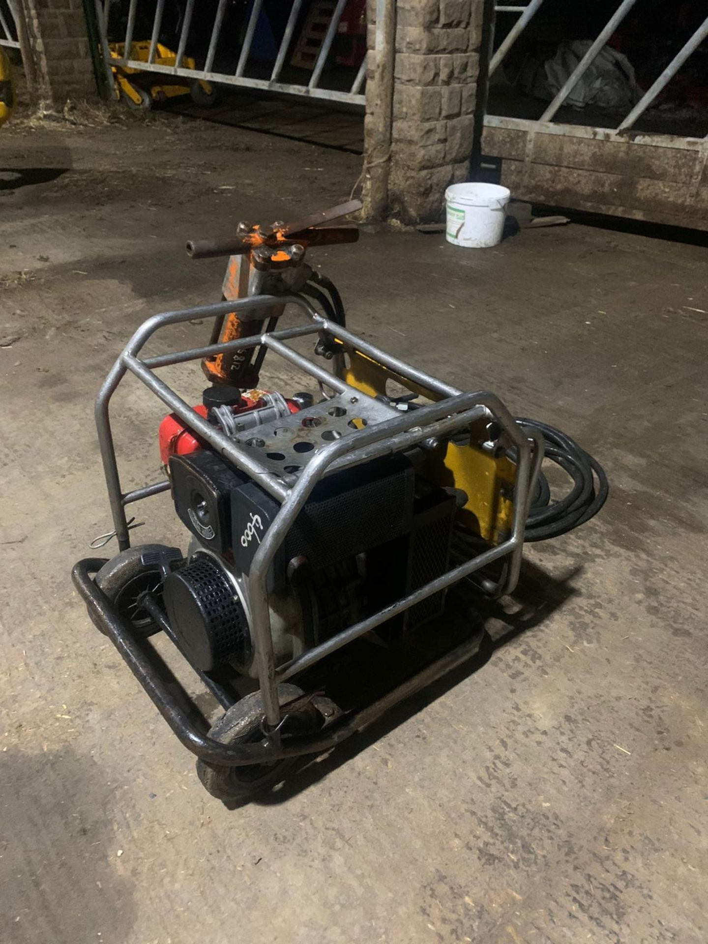 JCB Diesel Hydraulic Beaver Pack Yanmar Diesel L70 Engine Easy To Move Around Pipes Are Like New - Image 5 of 6