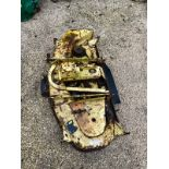 JOHN DEERE 455 DECK, IN WORKING CONDITION, JUST NEEDS PAINTING *NO VAT*