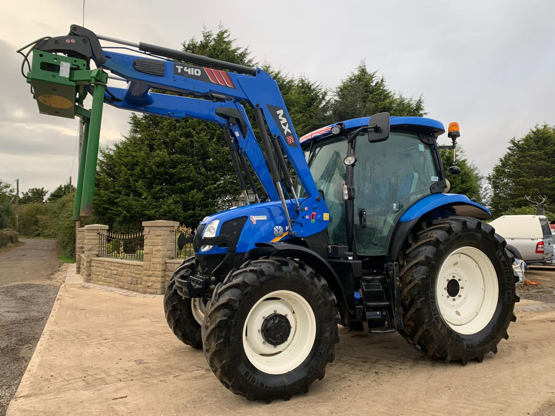 NEW HOLLAND T6.140 IN IMMACULATE CONDITION ON A 66 PLATE (2016) *PLUS VAT*