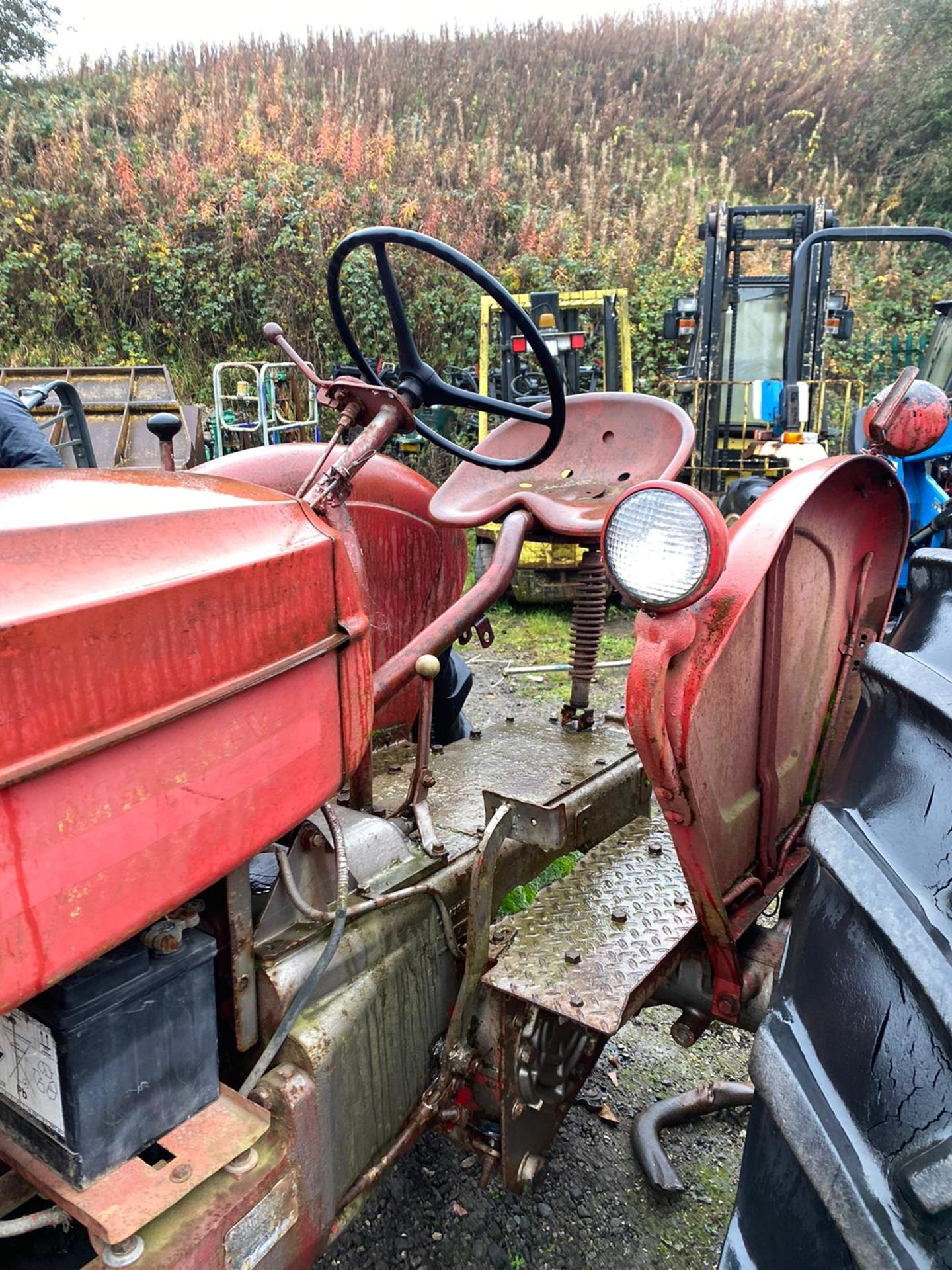 REAR VINTAGE MASSEY HARRIS 3 WHEEL TRACTOR *PLUS VAT* - Image 3 of 5