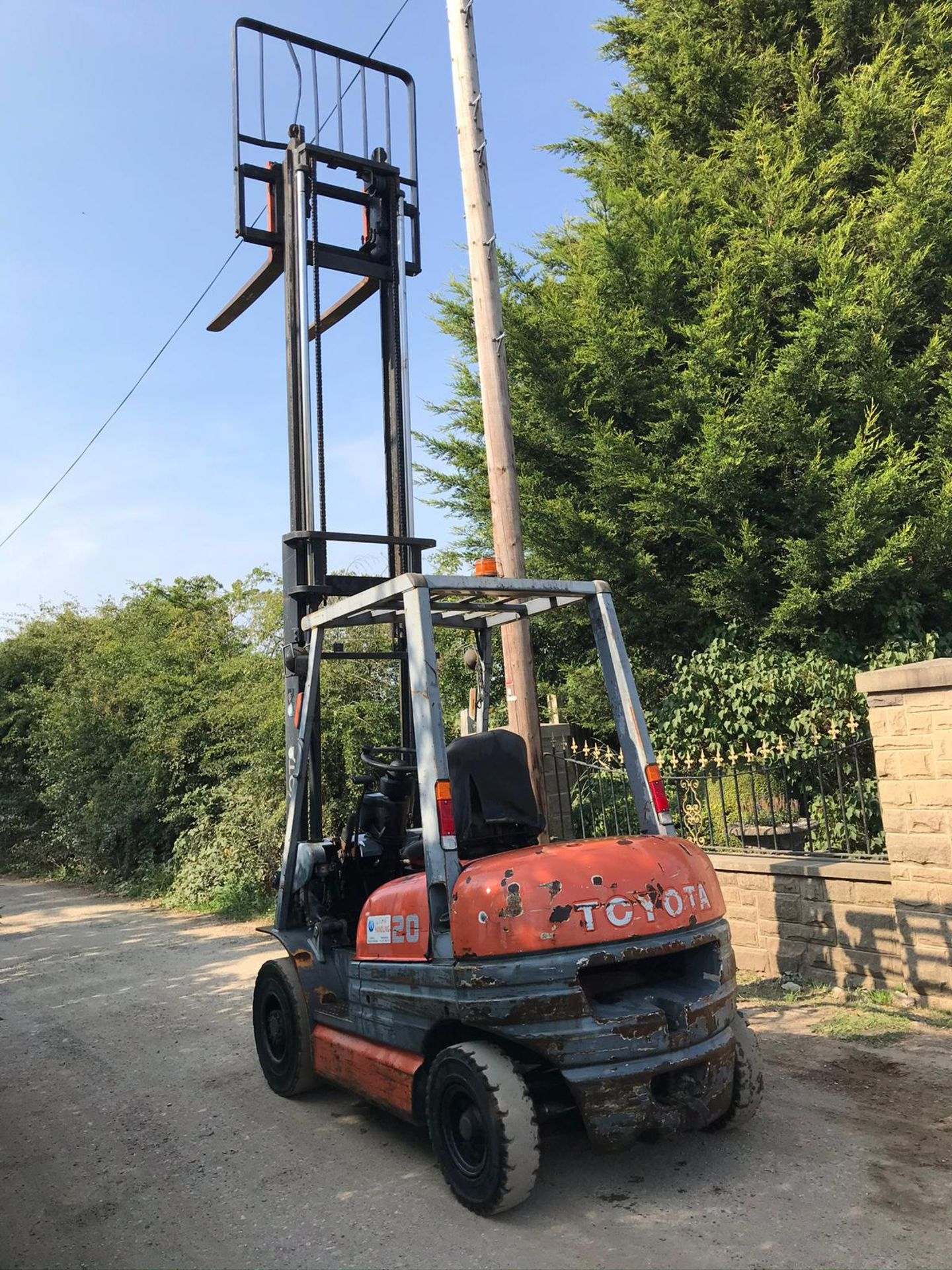 TOYOTA 20 FORKLIFT, RUNS, DRIVES AND LIFTS, CLEAN MACHINE *PLUS VAT* - Image 4 of 5