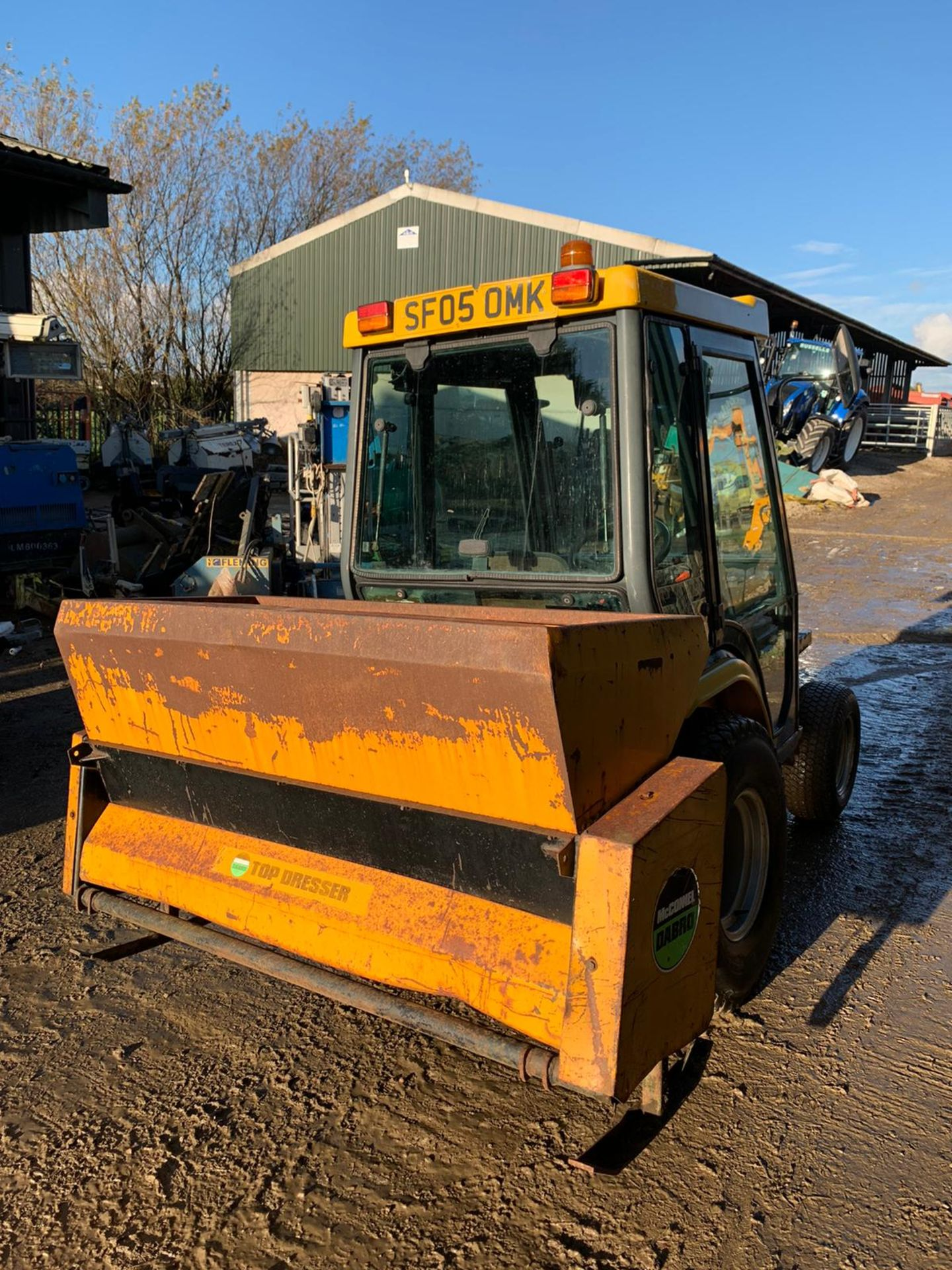 2005 KUBOTA B2110H COMPACT TRACTOR, RUNS, DRIVES AND WORKS, FULL GLASS CAB, ROAD LEGAL *PLUS VAT* - Image 4 of 6