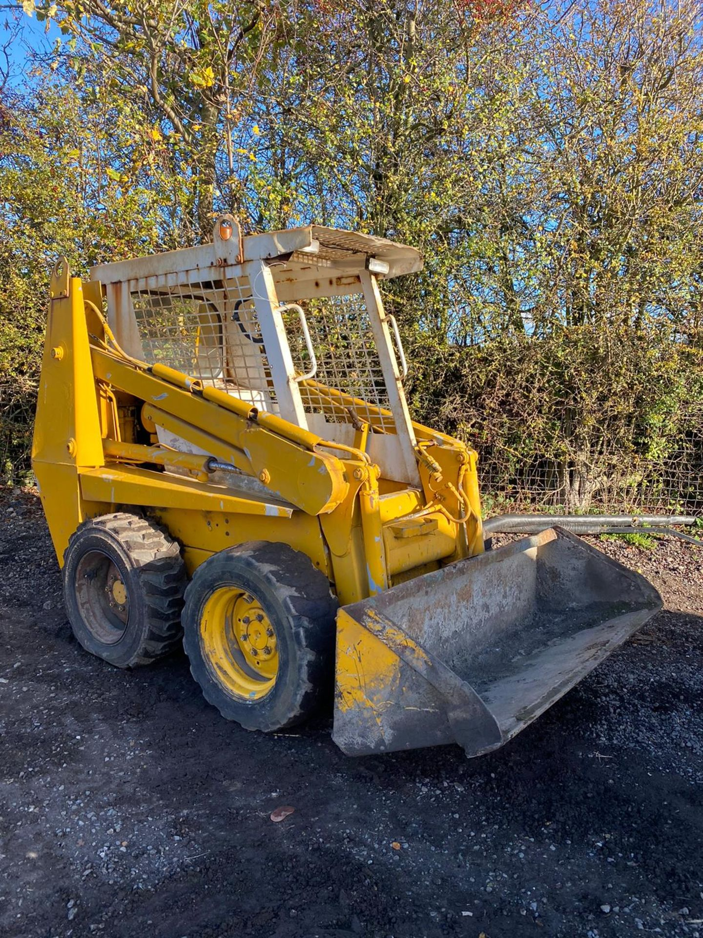 CASE 1840 SKID STEER LOADER, STARTS FIRST TURN OF THE KEY, RUNS, DRIVES AND LIFTS *PLUS VAT* - Image 7 of 9
