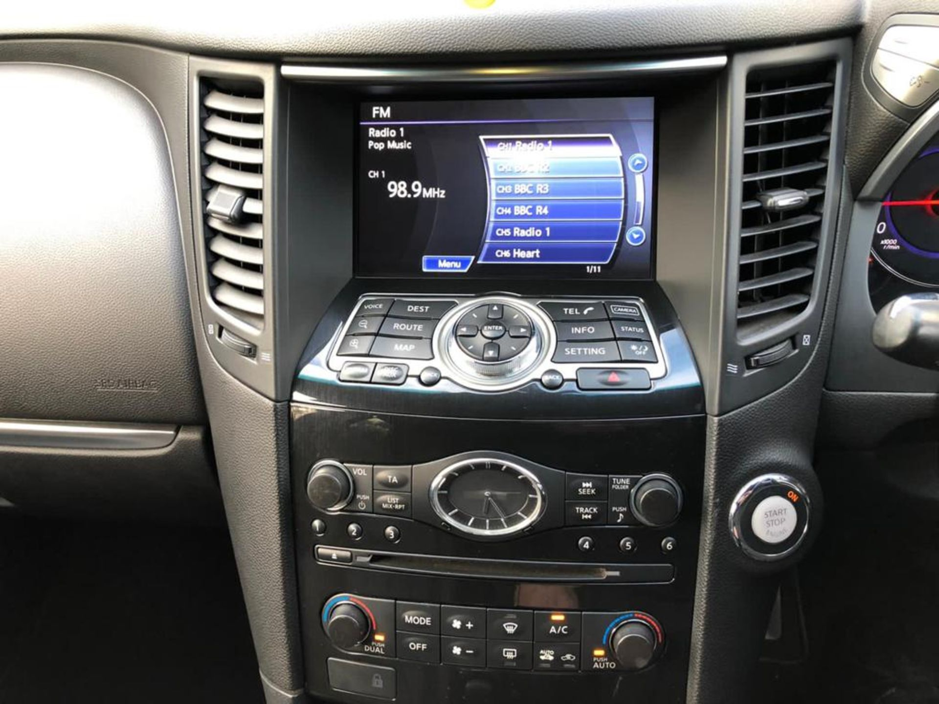 2010/10 REG INFINITI FX30 S AUTO 3.0L DIESEL 7 SPEED AUTOMATIC, SHOWING 2 FORMER KEEPERS *NO VAT* - Image 6 of 22