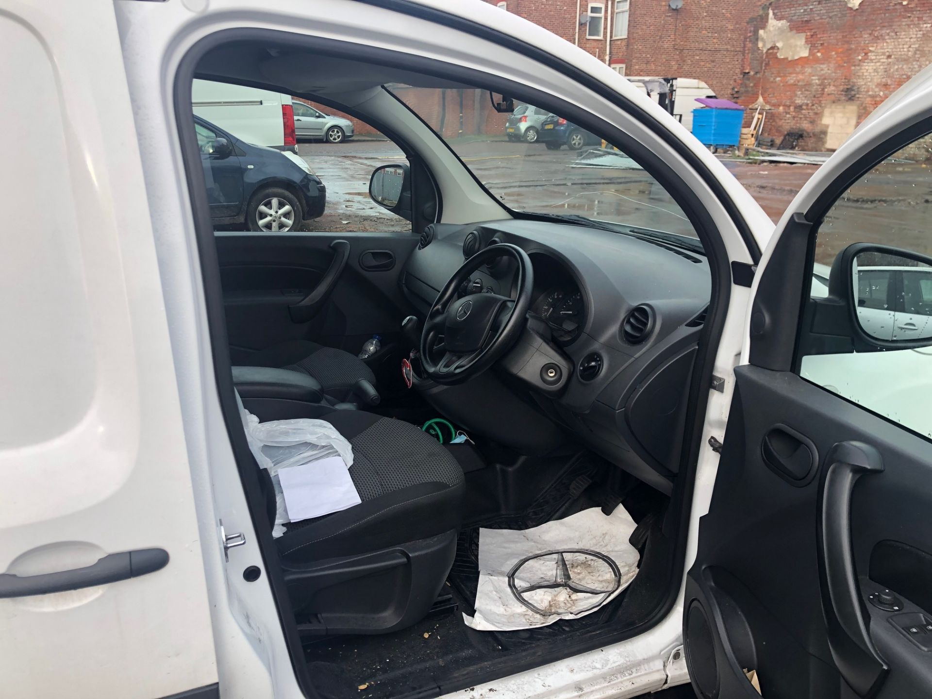 2014/63 REG MERCEDES-BENZ CITAN 109 CDI 1.5 DIESEL WHITE PANEL VAN, SHOWING 1 FORMER KEEPER - Image 10 of 13