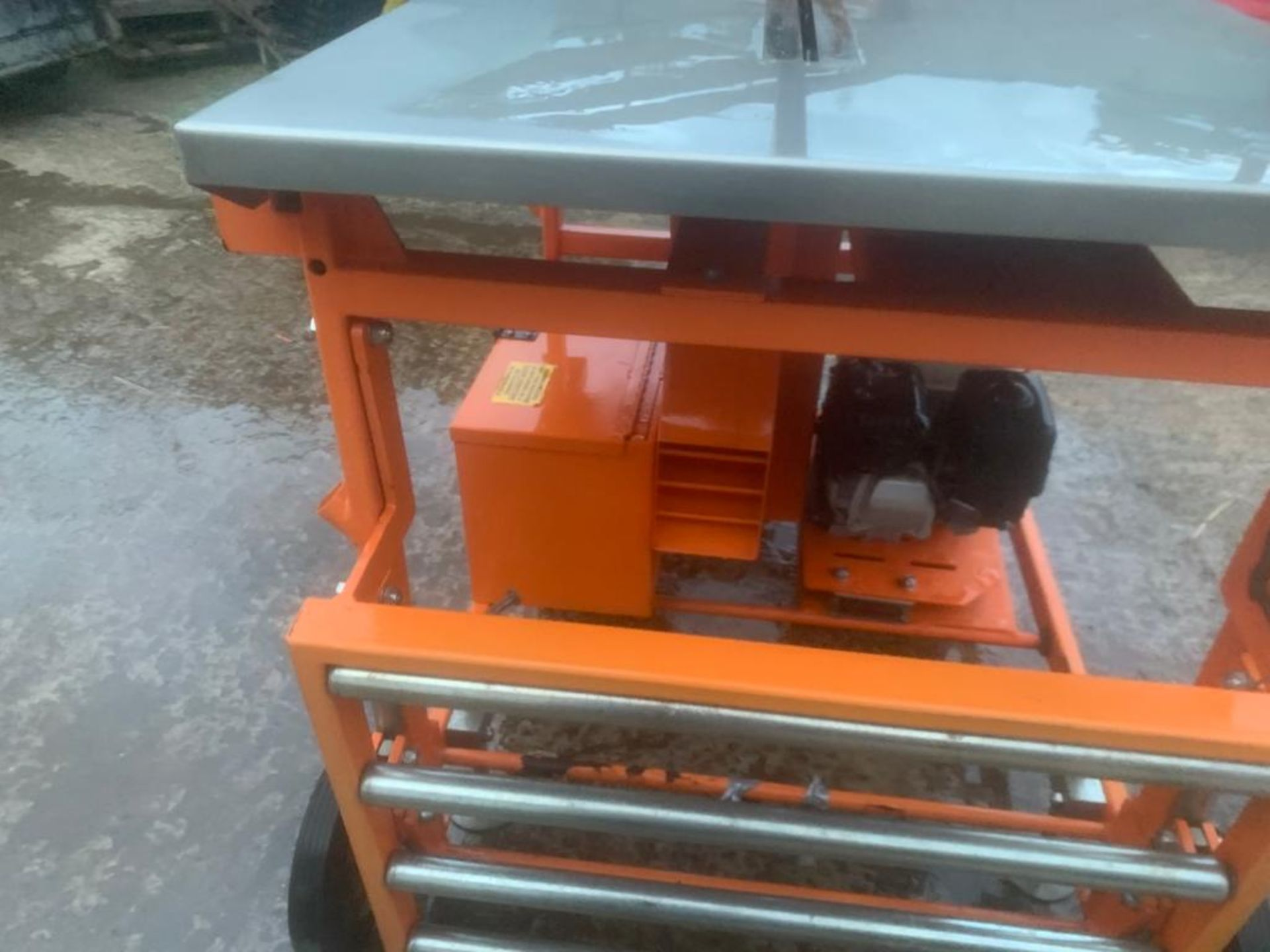 CLIPPER PETROL TABLE SAW *PLUS VAT* - Image 2 of 8