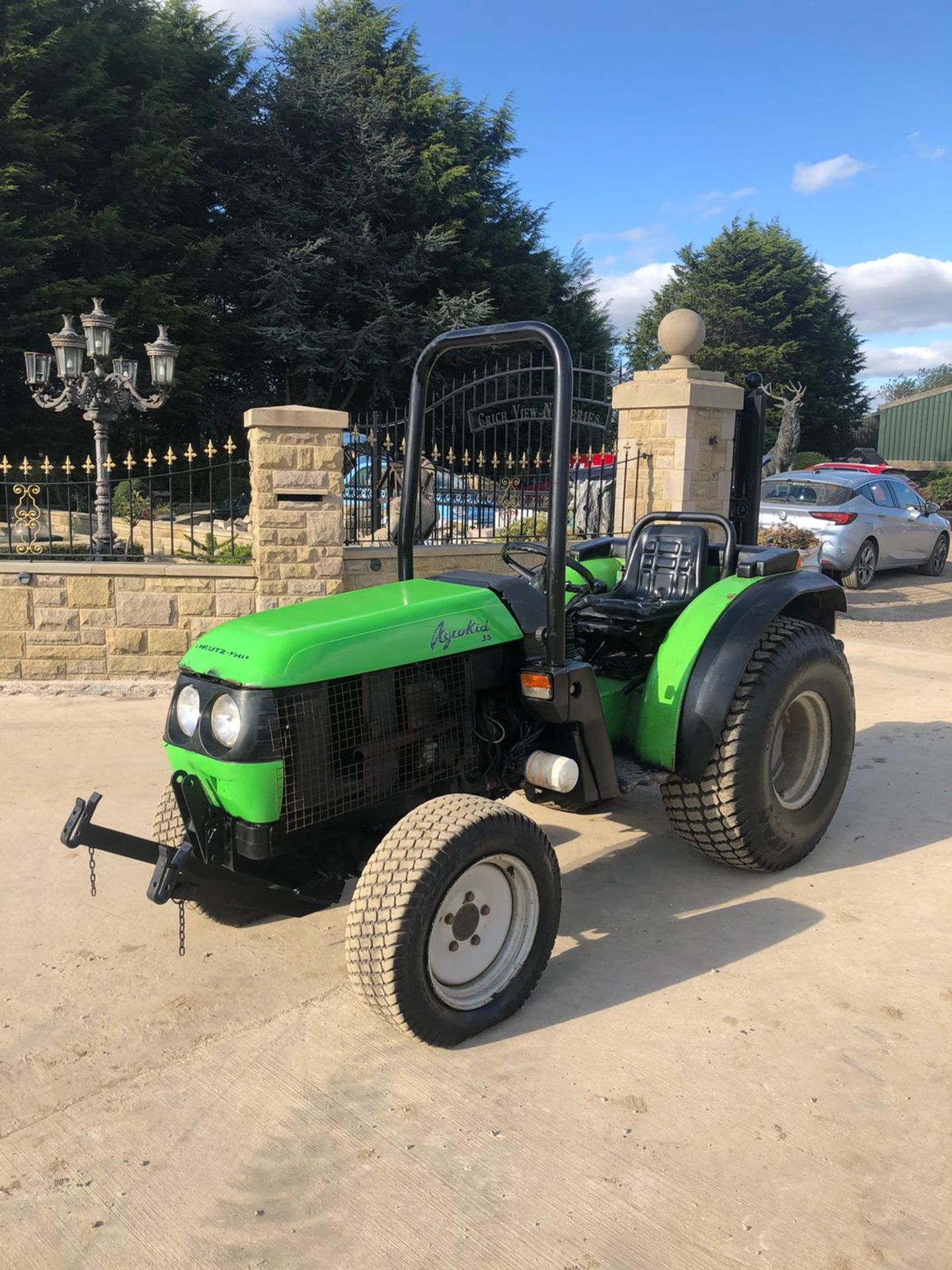 DEUTZ-FAHR AGROKAIL 35 TRACTOR, RUNS AND DRIVES, FRONT AND BACK LINKAGE *PLUS VAT* - Image 2 of 4