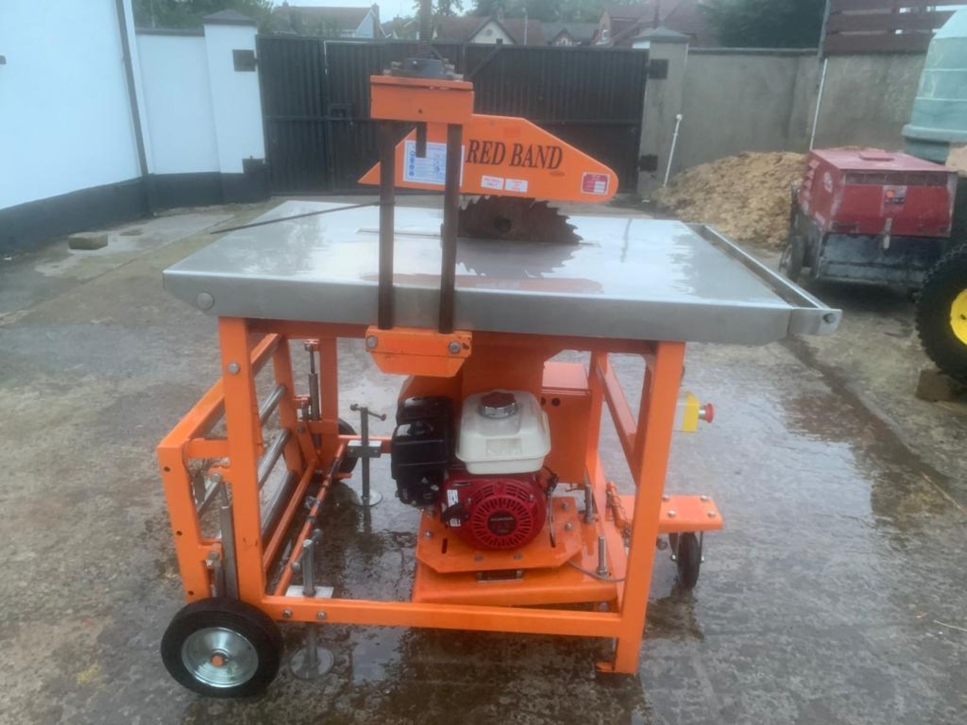 CLIPPER PETROL TABLE SAW *PLUS VAT* - Image 3 of 8