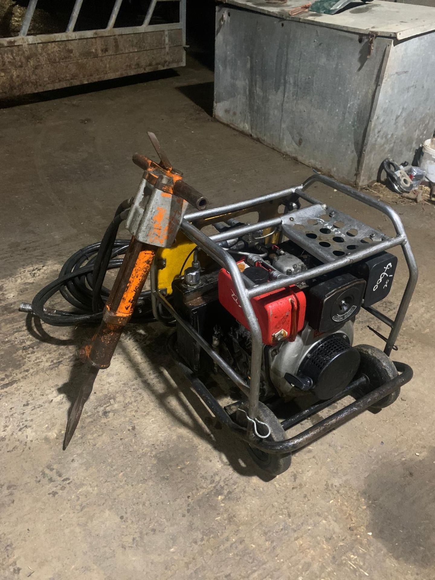 JCB Diesel Hydraulic Beaver Pack Yanmar Diesel L70 Engine Easy To Move Around Pipes Are Like New - Image 4 of 6