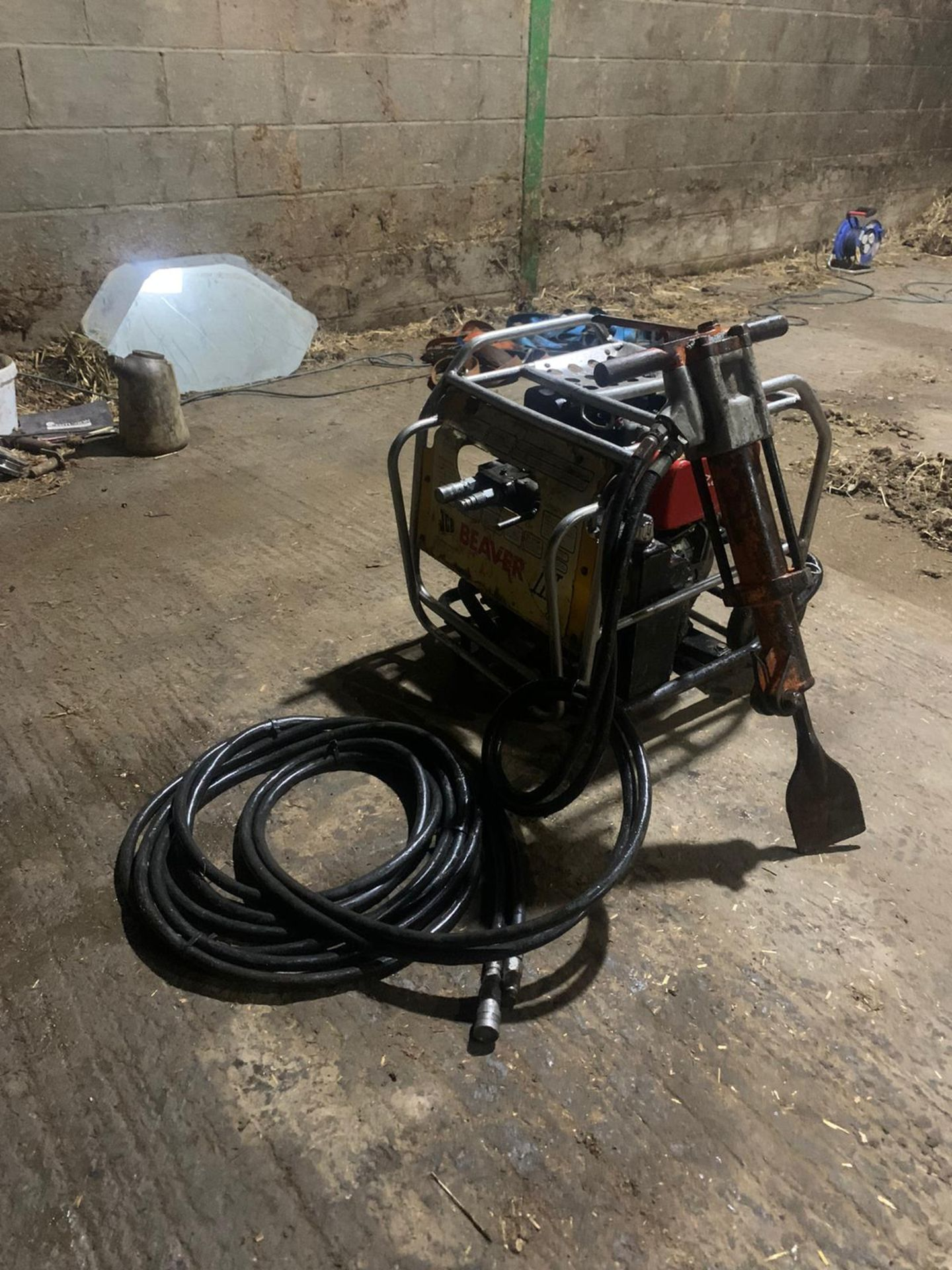 JCB Diesel Hydraulic Beaver Pack Yanmar Diesel L70 Engine Easy To Move Around Pipes Are Like New - Image 6 of 6