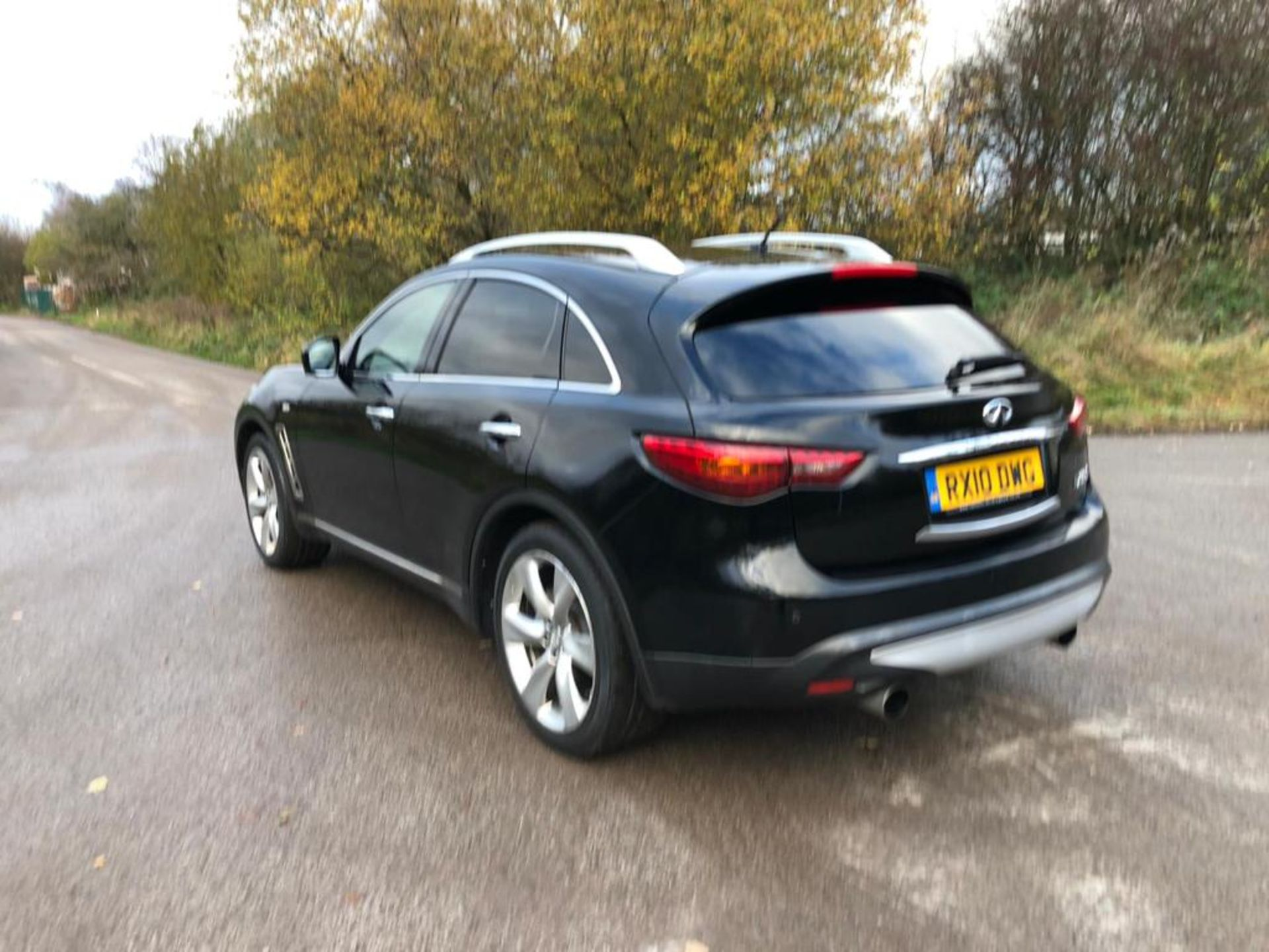 2010/10 REG INFINITI FX30 S AUTO 3.0L DIESEL 7 SPEED AUTOMATIC, SHOWING 2 FORMER KEEPERS *NO VAT* - Image 3 of 22