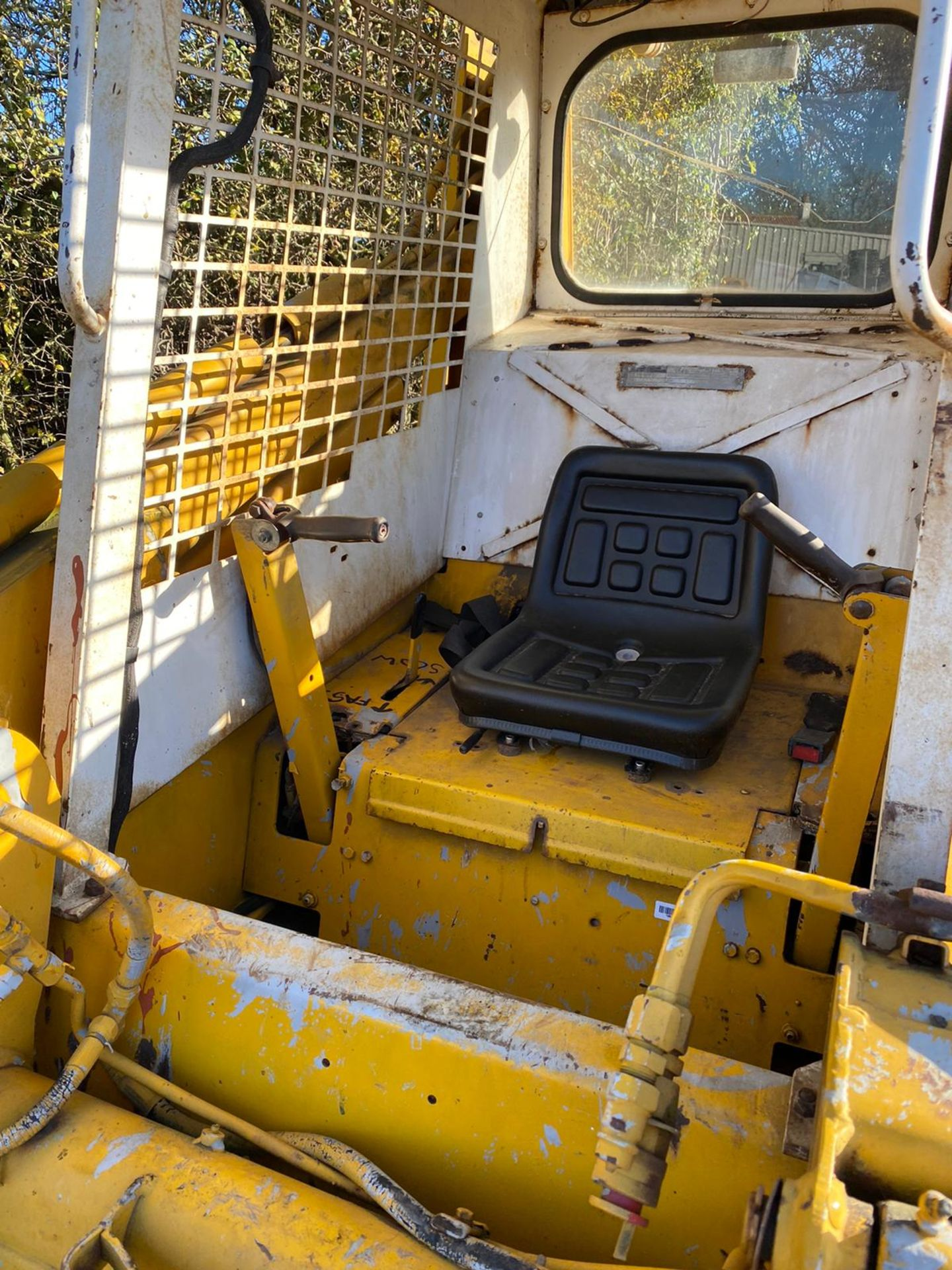 CASE 1840 SKID STEER LOADER, STARTS FIRST TURN OF THE KEY, RUNS, DRIVES AND LIFTS *PLUS VAT* - Image 4 of 9