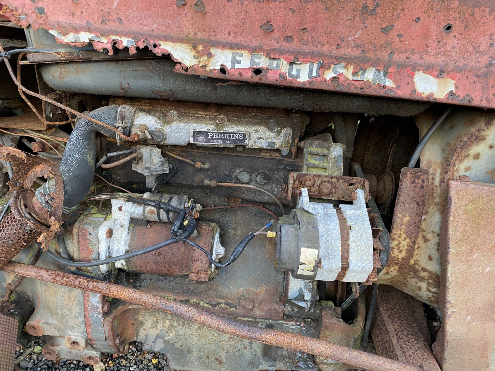 MASSEY FERGUSON 135, DIESEL 3 CYLINDER PERKINS ENGINE, IN NEED OF RESTORATION, LOADING NO PROBLEM - Image 3 of 3