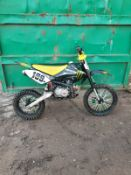 PIT BIKE 125CC BIG WHEEL 14 INCH ON BACK & 17 INCH ON FRONT, WORKING ORDER, STARTS, RUNS AND DRIVES