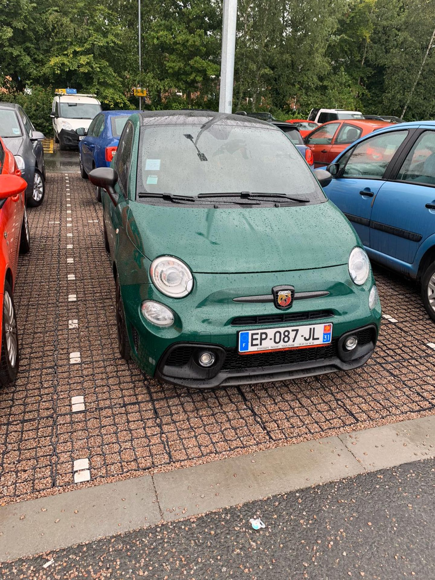 ABARTH 595 COMP 2016, 10,000 MILES NO ACCIDENTS, CUSTOM EXHAUST, WRAPPED DARK GREEN, FRENCH PLATES - Image 4 of 5