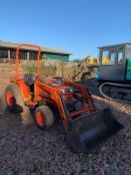 KUBOTA B2150 COMPACT TRACTOR, C/W LOADER AND BUCKET, RUNS, DRIVES AND DIGS, LOW 2910 HOURS *PLUS VAT