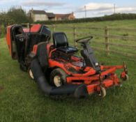 KUBOTA F1900 4WD OUT FRONT RIDE ON LAWN MOWER WITH COLLECTOR, RUNS, DRIVES AND CUTS *NO VAT*