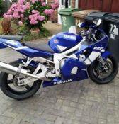 Yamaha R6 motorbike