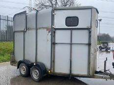 IFOR WILLIAMS HB510 CLASSIC SILVER SIDE HORSE TRAILER, ALUMINIUM FLOOR, FULL PARTITIONS, TOWS WELL