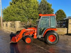 KUBOTA ST30 WITH LOADER, RUNS, DRIVES AND DIGS, CLEAN MACHINE, LOW 2750 HOURS, GRASS TYRES *PLUS VAT