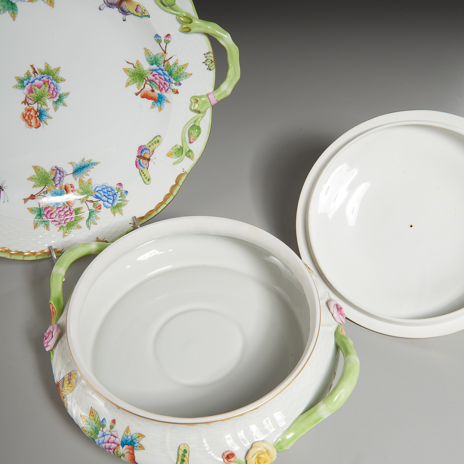 Lot 60 - Herend Porcelain Tureen and Platter
