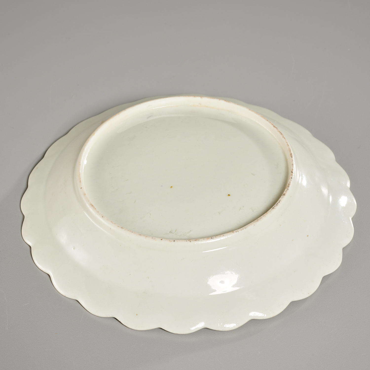 Lot 24 - Early Worcester Porcelain Blind Earl Plate