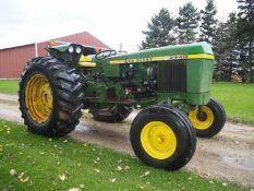 JD 2440 DSL. UTILITY TRACTOR