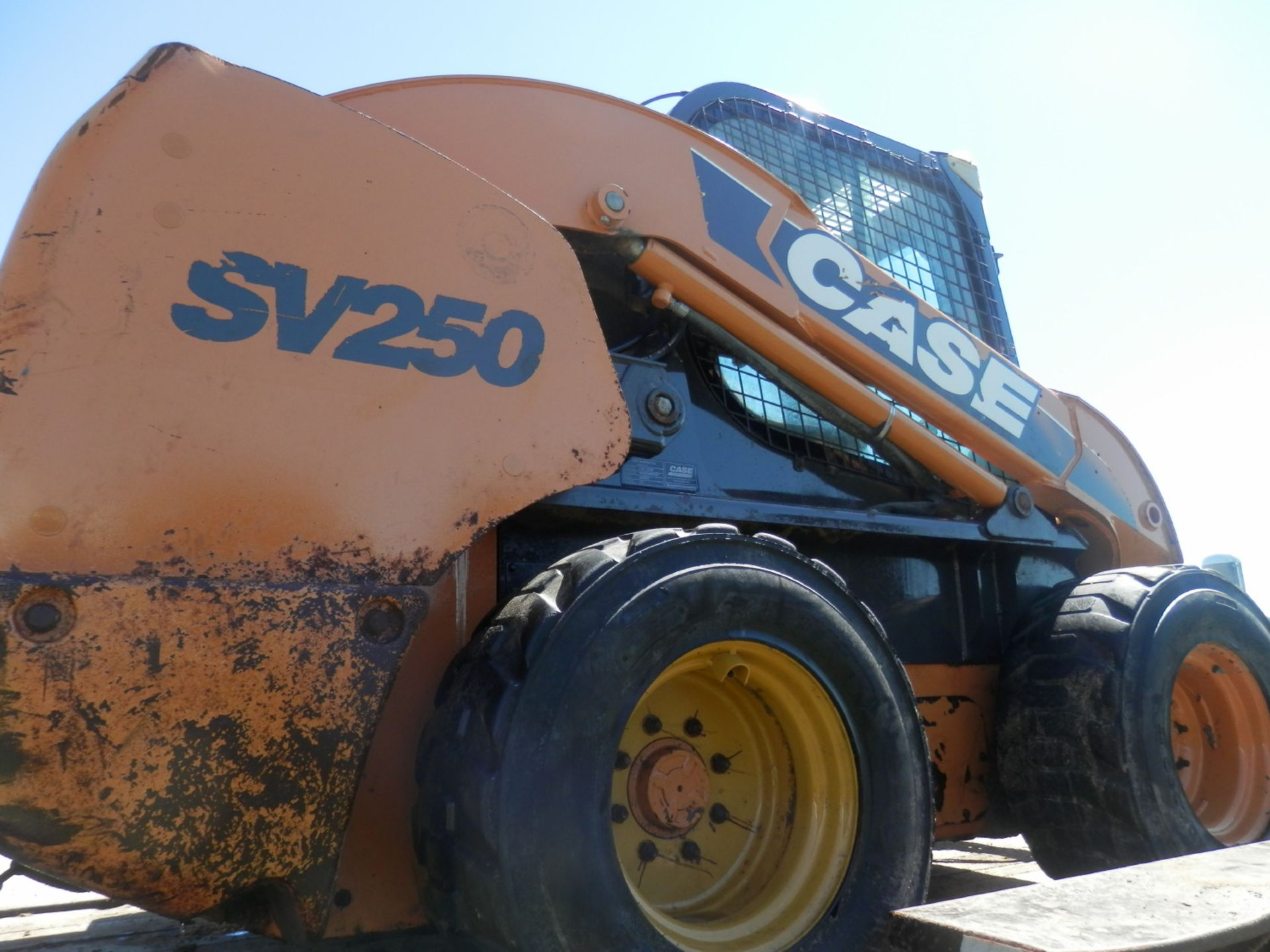 Lot 13 - CASE SV250 SKID STEER-PROJECT (Needs motor)