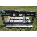 CNH 3 PRONG BALE MOVER