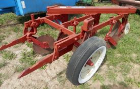 IH FAST HITCH 3 BOTTOM PLOW