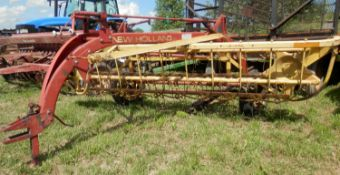 NEW HOLLAND 256 5-BAR RAKE
