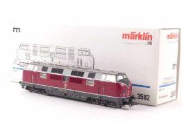"""Märklin 3582Märklin 3582, Diesellok """"221 107-6"""" der DB, digital, *****-Antrieb, sehr gut erhalten,"""