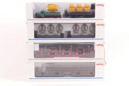 Märklin Güterwagen Doppelgüterwagen mit Langholz beladen 48841, Rungenwagen mit Mannesmann Rohre