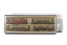 """Märklin 2660, DRG-Schnellzug bayerischer Bauart, Elektrolokomotive """"21534"""" Typ EP5, zwei Personenw"""